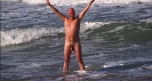 Geile Holiday-Story –  Sex-Orgie im Pool – Daniela & Tom haben es erlebt!