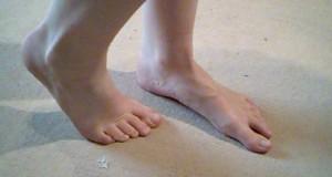Mit den Füßen zum Orgasmus!   So treibt`s eine Fuß-Liebhaberin!