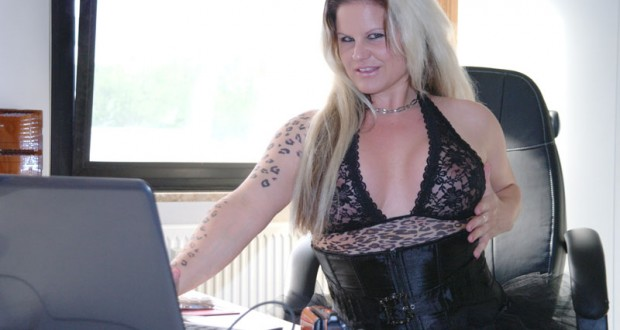 Camgirl Giny Lamour
