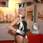 Hugh Heffner scheint uns dieses Bunny vorbeigeschickt zu haben, denn im Playboy soll es ja bald keine nackten Damen mehr geben...